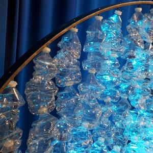 Sculpture bouteilles recyclées